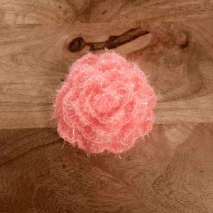 Eponge lavable en forme de rose – Crochetée à la main – Rose pâle