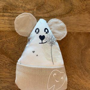 Petite souris à dents de laits – Plumes grises