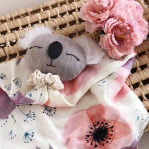 Atelier Maurice – Doudou Emma lange – Fleurs